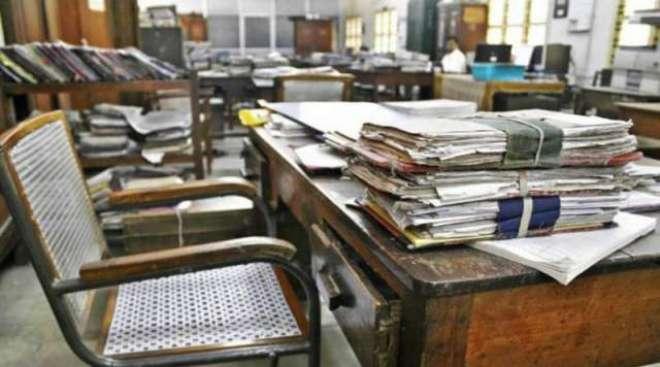 سرکاری ملازمین کی ریٹائرمنٹ عمر میں اضافہ کا فیصلہ آئندہ مالی سال تک ..