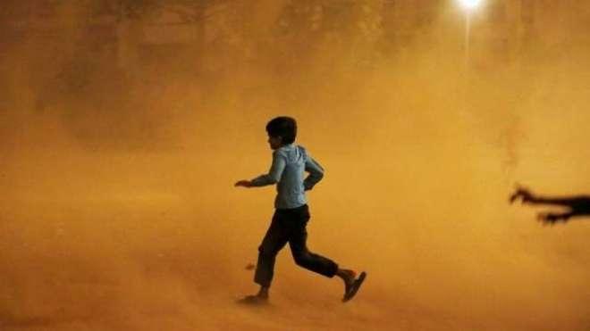 بھارتی دارالحکومت دہلی سمیت متعدد ریاستوں میں گردوغبار کا طوفان