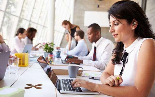 دفاتر میں کام کرنیوالے افراد وٹامن ڈی کی کمی کا شکار ہوتے ہیں، ماہرین