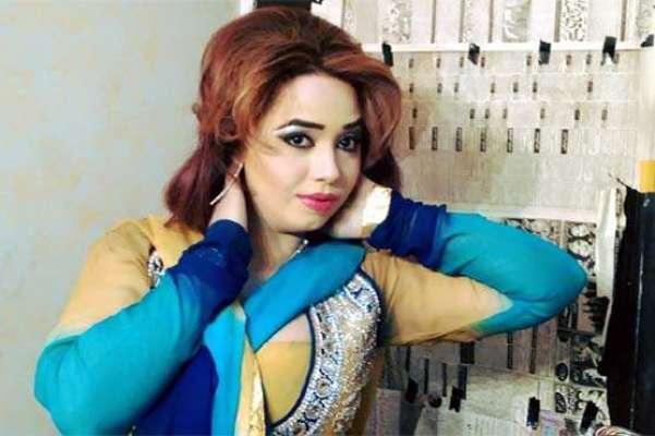 با اثر افراد نے سٹیج اداکارہ شیزہ بٹ کی بہن فضہ بٹ کو تشدد کا نشانا بنا ..