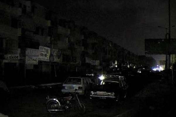 ملک بھر میں تیز آندھی، طوفان اور بارش کے باعث بجلی کا نظام درہم برہم