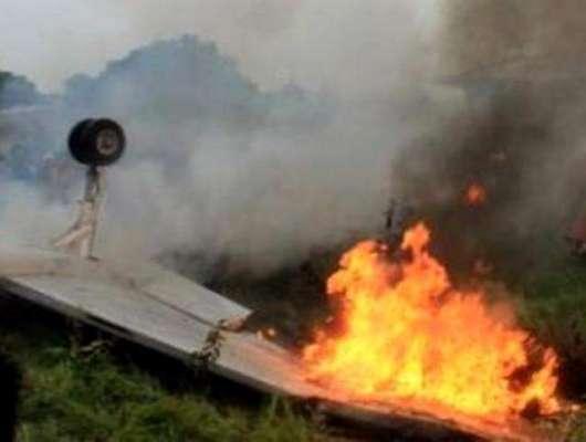 باچا خان ائیر پورٹ پر تربیتی طیارہ گر کر تباہ
