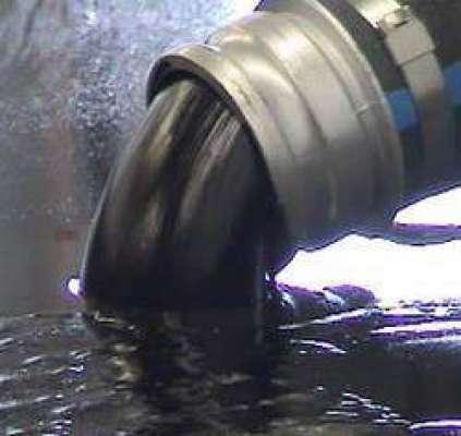 عالمی اور ایشیائی مارکیٹ میں پیر کو خام تیل کے نرخوں میں ایک فیصد سے ..