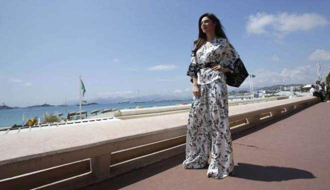 کانز فلم فیسٹیول میں پاکستانی اداکارہ کی لی گئی تصاویر نے دھوم مچا ..