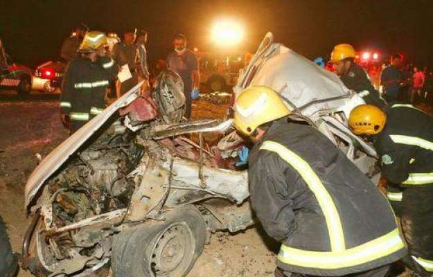 سعودی عرب ، ٹریفک حادثے میں ایک ہی خاندان کے تین افراد جان سے ہاتھ دھو ..