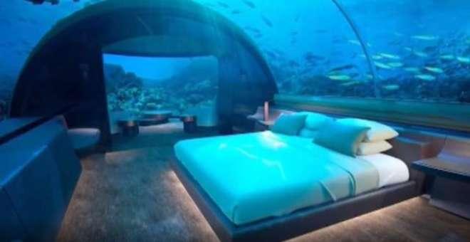 ہوٹل کے زیر آب ولا میں ایک رات ٹھہرے کا کرایہ  67لاکھ روپے اور یہاں چار ..
