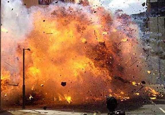 میچ کے آغاز سے چند لمحے قبل اسٹیڈیم میں بم دھماکہ