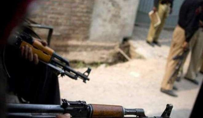پولیس کا بچوں کے سامنے ماں کو برہنہ حالت میں الٹا لٹکا کر تشدد