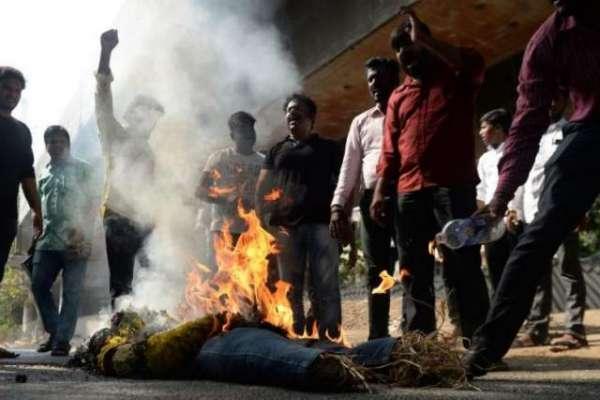 بھارت میں ظلم کی انتہا، جے شری رام کہنے کے باوجود مسلمان بچے کا ہاتھ ..