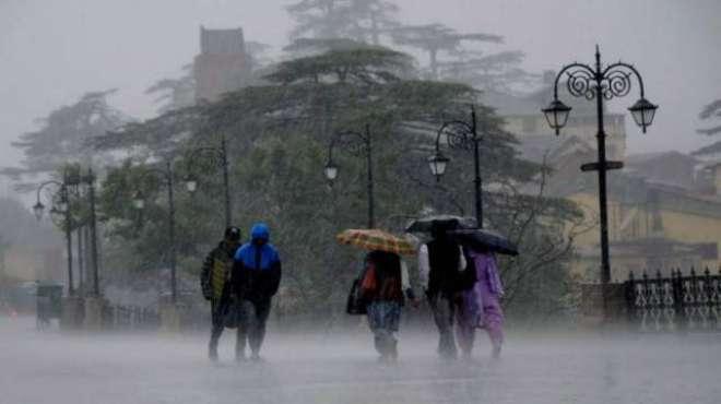 ممبئی میں شدید بارشوں سے کئی علاقے زیر آب ،ٹرینوں اورجہازوں کی آمدورفت ..