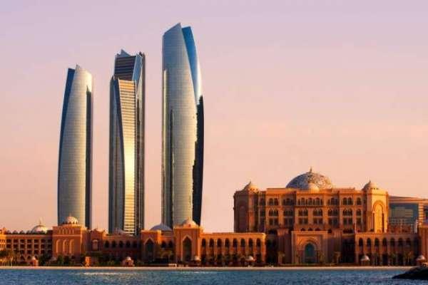 اب اماراتی شہری 25 سال سے زیادہ عرصہ ملازمت کر سکیں گے