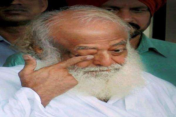 بھارت، ہندوں کے مذہبی پیشوا اسارام باپو کو لڑکی سیزیادتی کے جرم میں ..