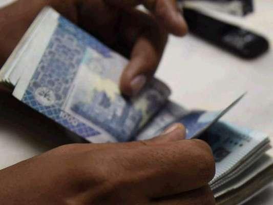 پاکستان تمام بیرونی، اندرونی قرضوں کی ادائیگی پر 1620 ارب روپے سود ادا ..