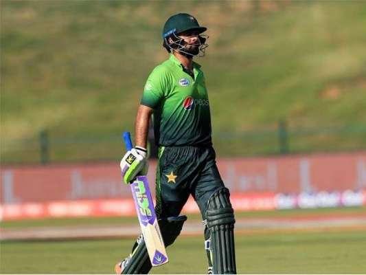 """""""کم بیک کنگ """"احمد شہزاد ایک بار پھر قومی ٹیم پر بوجھ محسوس ہونے لگے"""