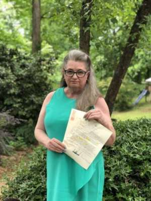امریکی صدر کے خط میں غلطیاں تلاش کرنے والی ٹیچر انٹرنیٹ اسٹار بن گئی
