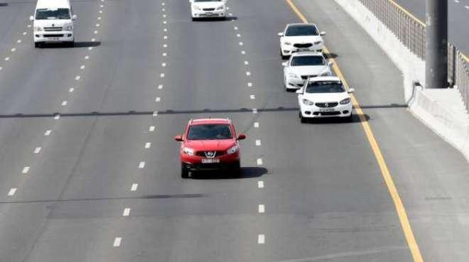 ابو ظہبی: محفوظ فاصلہ نہ رکھنے والے ڈرائیور اب قانون سے محفوظ نہیں رہ ..