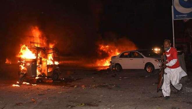 کوئٹہ میں ایف سی چیک پوسٹ اور پولیس وین پرتین خودکش حملے'8افراد زخمی