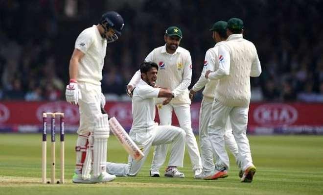 لارڈ ٹیسٹ ،پاکستانی باﺅلرز نے انگلش بلے بازوں کے گرد شکنجہ تنگ کرلیا