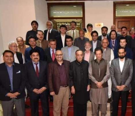 عمران خان نے میڈیا مالکان سے ملاقات میں کیا کہا؟