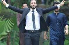 پولیس کا حسان نیازی کی گرفتاری کیلئے ان کے گھر پرچھاپہ