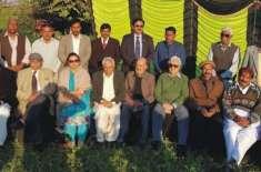 فکر اقبال فورم کے زیراہتمام کسووال میں پروفیسر حسن عسکری کاظمی کے ساتھ ..