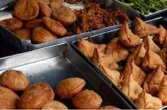سموسے، پکوڑے اور فرنچ فرائز سمیت دیگر تلی ہوئی غذائیں کھانے سے امراض ..