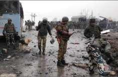 پلوامہ میں بھارتی فوج کی گاڑی پر بم حملہ