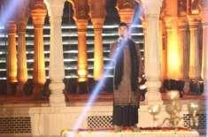 علی ظفر کی''لب پہ آتی ہے دعا'' پڑھتے ہوئے بنائی گئی وڈیو جاری
