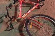 راس الخیمہ میں ایشیائی سائیکل سوار گاڑی تلے کُچل کر جاں بحق ہو گیا