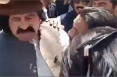 علی وزیرکی چیک پوسٹ پر تعینات فوجیوں کیخلاف تلخ جملوں کی ویڈیو