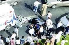 دُبئی: ٹریفک حادثے کی جگہ پر رش لگانے والوں اور ریکارڈنگ کرنے والوں ..