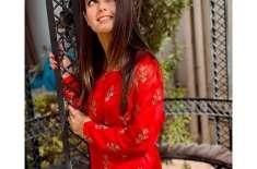 نادیہ خان نے اقراء عزیز کو بہترین اداکارہ قرار دے دیا