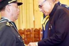 صدرمملکت ڈاکٹر عارف علوی نے چین کی پیپلز لبریشن آرمی گرائونڈ فورس ..