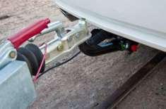 اماراتی کفیل نے اپنے نوجوان ملازم کو گاڑی چوری کے معاملے میں پھنسا ..