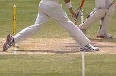 کرکٹ کے کھیل میں نو بال کا قانون تبدیل کر دیا گیا