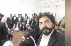 فیاض الحسن چوہان پر حملہ کرنے والے وکیل کا ن لیگ سے تعلق ثابت ہوگیا، ..