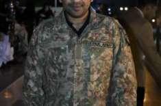 یوم پاکستان پر سرفراز احمد کا نرالہ انداز، پاک فوجی کی وردی زیب تن کرلی