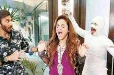 مارننگ شوز کی میزبا ن نادیہ خان کامیڈی سیریز میں اداکاری کے جوہر دکھائیں ..
