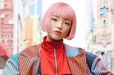 """ملیے جاپان کی خوبصورت ماڈل """"ایما"""" سے ، جس کا حقیقت میں کوئی  وجود نہیں"""