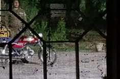 وہاڑی:تھانہ کرم پور میں تعینات پولیس کانسٹیبل نے آر ایچ سی ہسپتال شرف ..