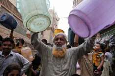 کراچی میں ہر گزرتے دن کے ساتھ پانی کا بحران شدید سے شدید ترہوگیا