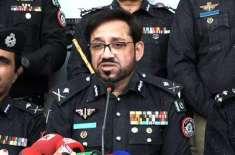 سندھ کے پولیس افسران فنڈز میں خورد برد کرتے ہیں: آئی جی سندھ کا اعتراف