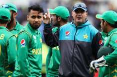 mickey arther wants to stay with pakistan team