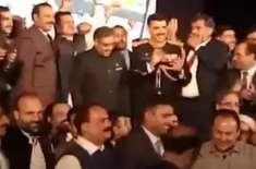 بھارت کا دارالحکومت نئی دہلی ''پاکستان زندہ باد'' کے نعروں سے گونج ..
