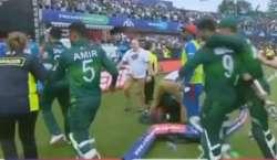 افغان شرپسند تماشائیوں سے شکست ہضم نہ ہوئی، پاکستانی کھلاڑیوں پر حملے ..