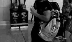 اے بی ڈیویلیئرز کی آئی پی ایل میں لاہور قلندرز کا بیگ استعمال کرنے کی ..