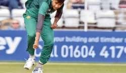 'سرپرائز پیکج'محمد حسنین اپنی رفتار سے بیٹسمینوں کو پریشان کرنے کیلئے ..