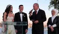 ترک صدر نے جرمن فٹبالر مسعود اوزیل کی شادی میں ان کے 'شہ بالا' اور ..