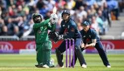 چوتھا ون ڈے ، پاکستان نے انگلینڈ کو جیت کے لیے 341رنز کا ہدف دیدیا