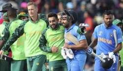 بھارت اور جنوبی افریقہ کی ٹیمیں پہلے ٹی ٹونٹی انٹرنیشنل کرکٹ میچ میں ..